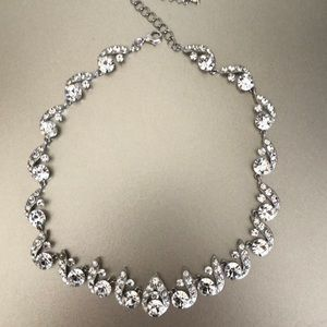Vintage rhodium and crystals necklace
